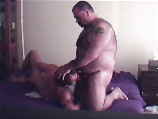 Bear and Cub suck and fuck bareback (gay) bear (gay) big cock (gay)