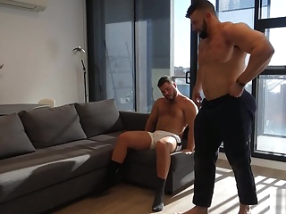 MUSCLE BOY GOES WYLD FOR STRIPPER ASS gay hd hunk
