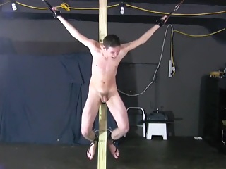 BDSM fetish boy whipped and crucified schwule jungs 10:10 2015-10-31