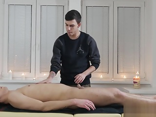 Twink Rides Masturbating Masseurs Dick gay hd massage