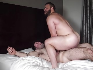 Straight and buff hunks fuck like real men amateur bareback bear